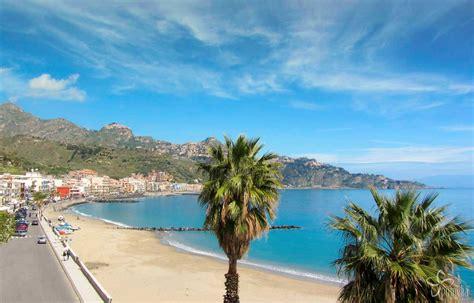 i giardini naxos sicilia la spiaggia di giardini naxos taormina sicilia