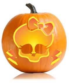 monster pumpkin carving ideas pumpkin carving on pinterest 33 pins
