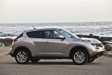nissan crossover juke 2012 nissan juke review test drive the hip hatchback
