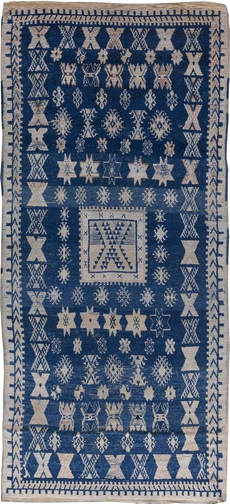 Moroccan Rug Blue by Best 25 Blue Rugs Ideas On Living Room