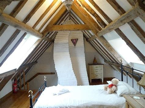 cottage attic bedroom ideas 32 attic bedroom design ideas