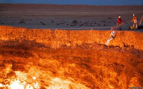 pit turkmenistan explorer sets foot on surface of crater door to hell