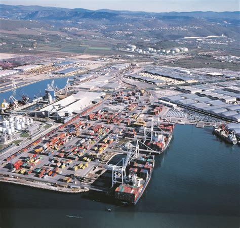 koper port ship sails into koper port
