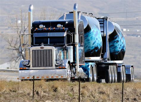 kenworth peterbilt mechanics hub paccar recalling nearly 450 peterbilt
