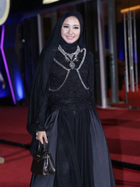 tutorial hijab ala cintia claudia bella laudya cynthia bella maknai hijab dengan kesederhanaan