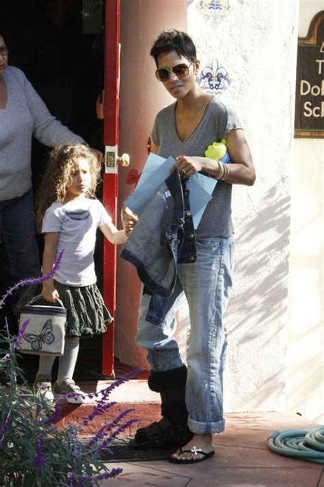 halle berry taking nahla home from school baby laundry