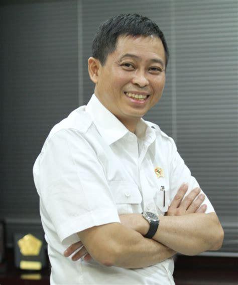 biodata jokowi dan agamanya profil biodata ignasius jonan menteri esdm lengkap