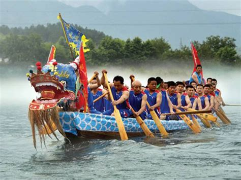 dragon boat guide chinese dragon boat festival duanwu jie what to do and see