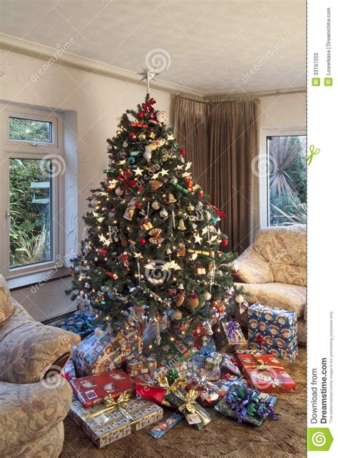 christmas tree in room setting stock image image 33197203
