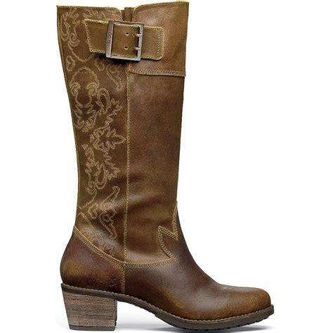 olukai s emalani boot at moosejaw