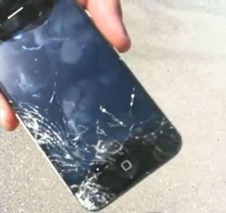 kaca belakang sasis iphone  rentan pecah