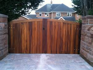 wooden gate jardines joinery cheshire