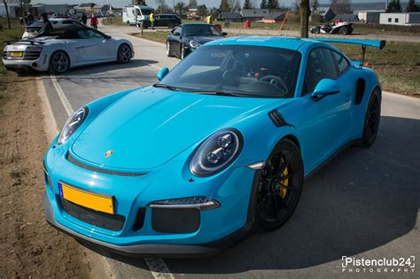 miami blue porsche porsche 991 gt3 rs spotted in miami blue