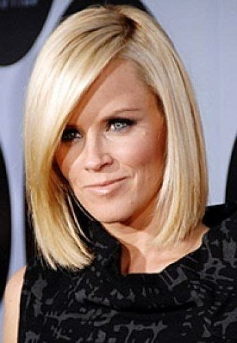 what is jenny mccarthy natural hair color 5 jenny mccarthy hair medium length bob asymmetrical cuts