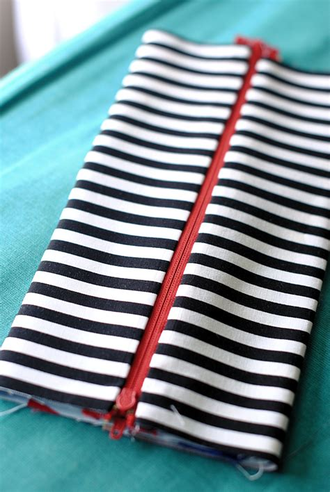 cara membuat zipper pencil case pencil case tutorial tips for cutting fabric with a