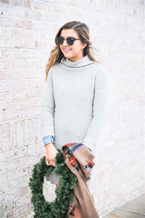 Sweater Fourspeed gray sweater dress wreath photos ootd daily dose of charm