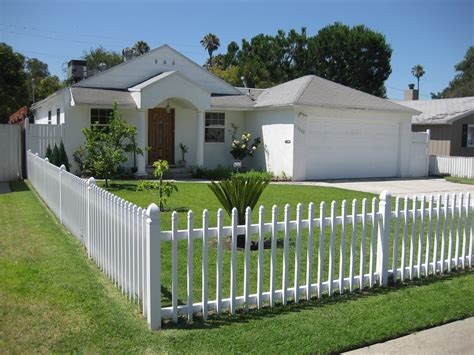 small house fence design modern house gates and fences designs home design ideas