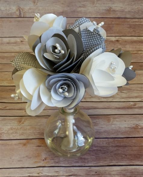 How To Make Bouquet Of Paper Flowers - how to make a paper flower bouquet strathmore artist papers