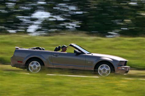 Mustang Auto Hamburg by Ford Mustang Gt Cabrio Gebrauchtwagen Test Autobild De