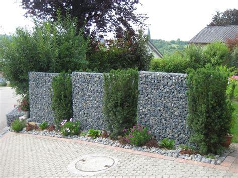 gabionen für kleine steine zaun begr 252 nen idee