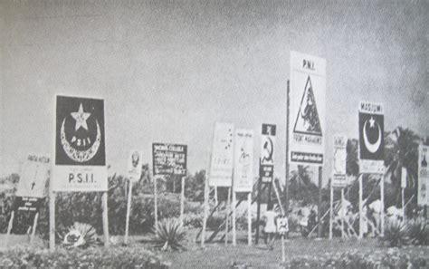 Indonesia Mencari Demokrasi Mochtar Buchori masa demokrasi liberal indonesia 1950 1959 harian sejarah