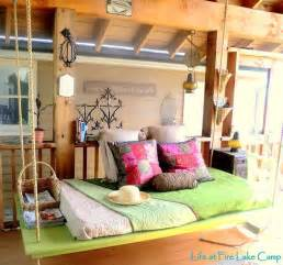 cool ideas for bedrooms cool bedroom decorating ideas flipiy