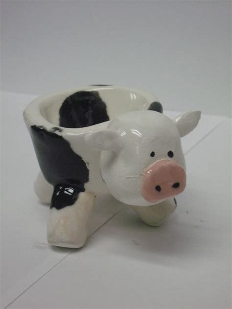 animal pots i love this pinch pot my favorite animal is a cow and i
