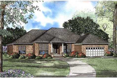 Hip Roof Ranch House Plans Ranch House Plans With Hip Roofs Ranch House Plans With In Apartment Hip Roof House Plans