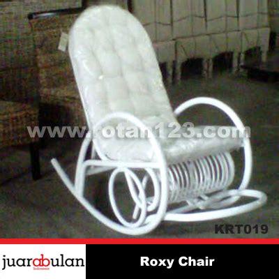 Sarung Bantal Sofa 019 harga jual chair kursi goyang rotan alami model gambar