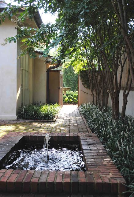 color   lines  courtyards
