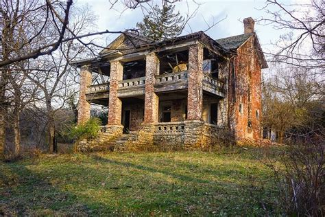 old plantation house in pike county missouri near