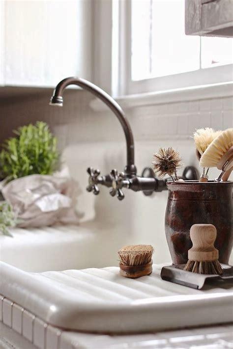 vintage farmhouse kitchen sink best 25 vintage farmhouse sink ideas on vintage sink vintage kitchen sink and
