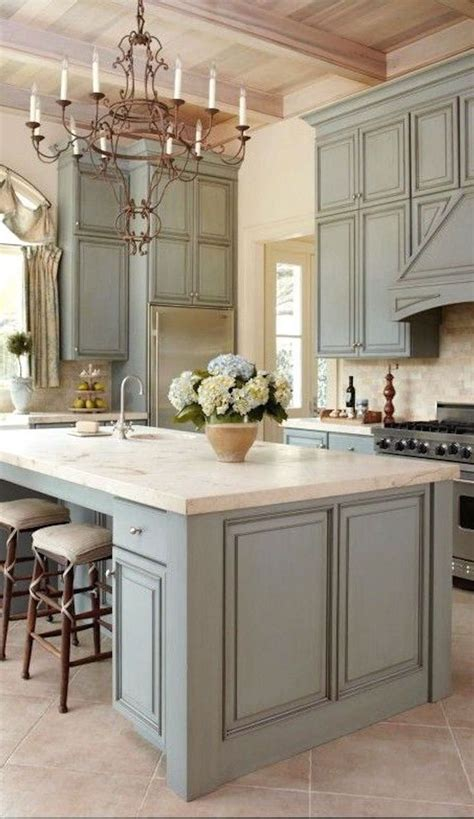 color kitchen ideas best 25 light kitchen cabinets ideas on