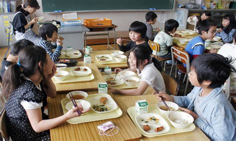 imagenes de escolares japonesas desayunos en escuelas de jap 243 n se vuelven los m 225 s