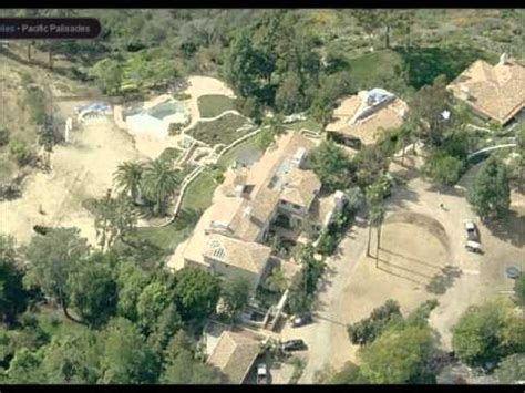 Steven Spielberg House by Steven Spielberg S Pacific Palisade Mansion