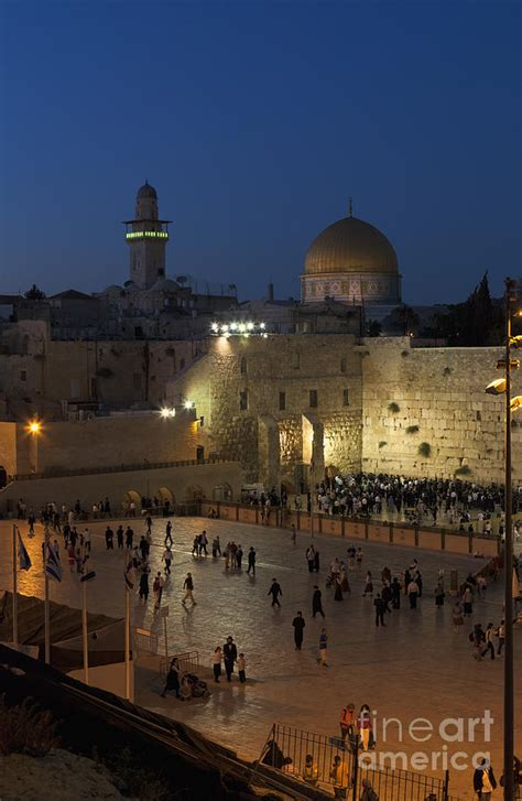 western wailing wall photograph by roberto morgenthaler