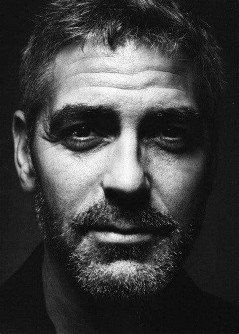 George Clooney, Men over 40, whose knees weak (com imagens