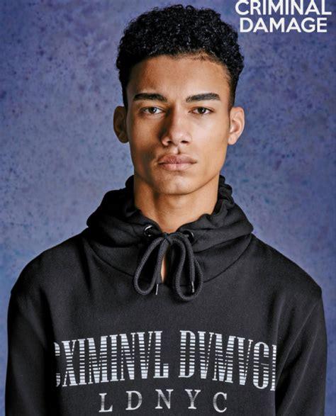 Resume Making Online by Model Reece King For Criminal Damage Dmfashionbook Com