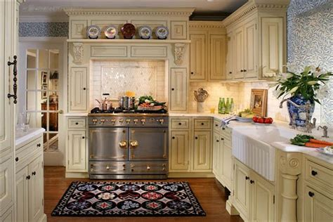 kitchen decorating ideas pictures 25 traditional kitchen designs for a royal look