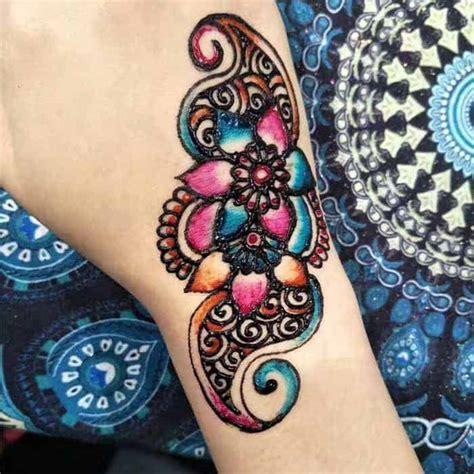where can you get a henna tattoo done 30 stylish summer henna designs 2018 sheideas