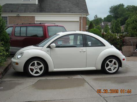 2004 Volkswagen Bug shnormo05 2004 volkswagen beetle specs photos