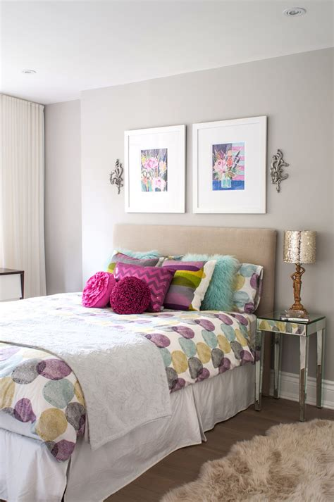 how to decorate bedroom walls create a luxurious guest bedroom retreat on a budget