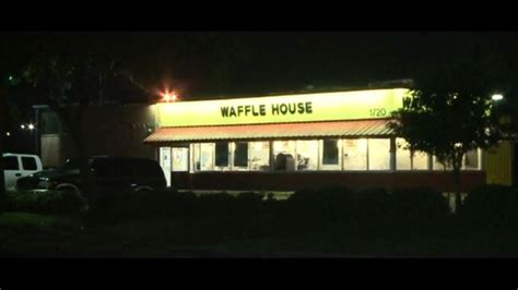 waffle house robbery crooks open fire during robbery inside waffle house