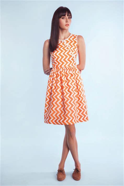 Wrap Around Cheap by Sewn By Elizabeth Sew Cheap April Free Pattern Review