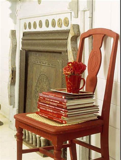 sillas libros  algun detalle mas decoracionin