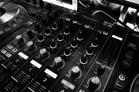 Bantal Mobil Set 8 Bordir Big Black Blue dj audio mixing panel hd wallpaper and background 2100x1396 id 688882