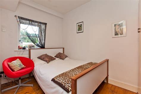 2 bedroom flat for sale in london 2 bedroom flat for sale in albert square london sw8 sw8