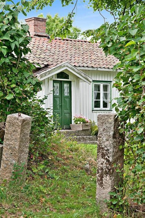 European Country Cottages European Homestead Summer Vintage Green 1 2