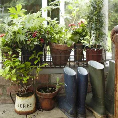 Garden Accessories Vintage Vintage Furniture And Garden Decor 12 Charming Backyard Ideas