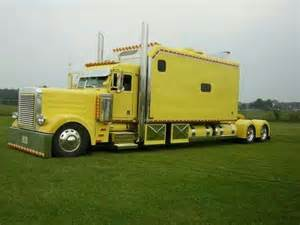 Semi Trucks With Big Sleepers For Sale by 1000 Images About Studio Sleeper Semis On